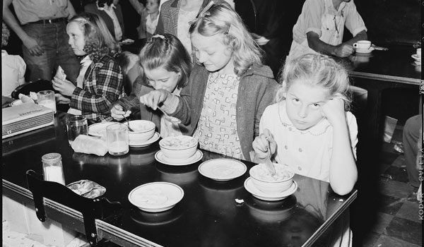 Cafeteria lunch before the Industrial Revolution